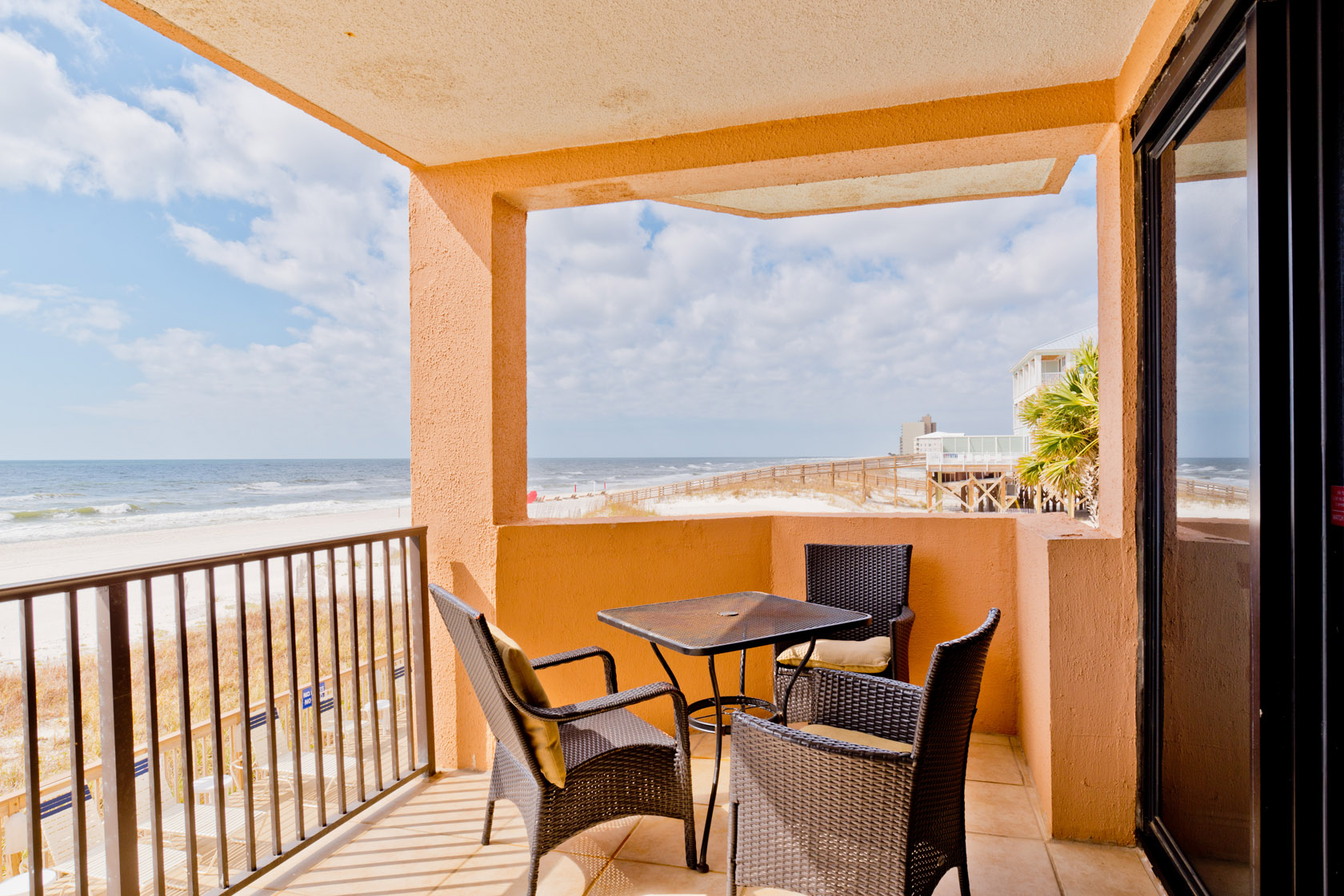 Premium Beach Front Condo, Stunning 2nd Floor Views, Pool and Fitness Center