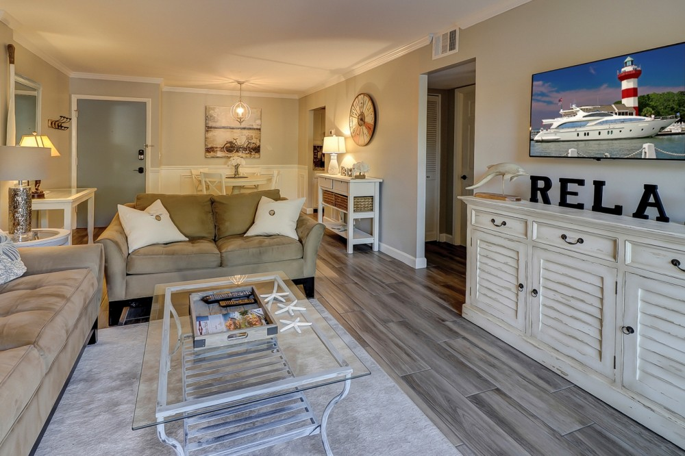 Hilton Head Island vacation rental with Exceptional Location   High-End Renovations   Decor   Private Courtyard