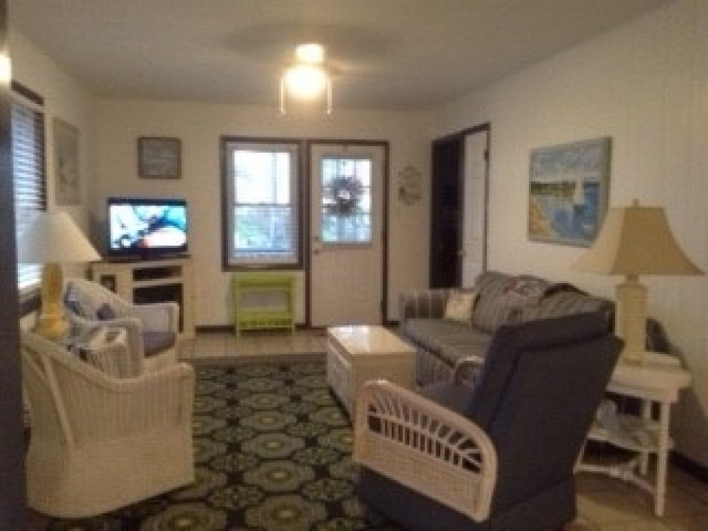 Ocean City vacation rental with LIVING ROOM