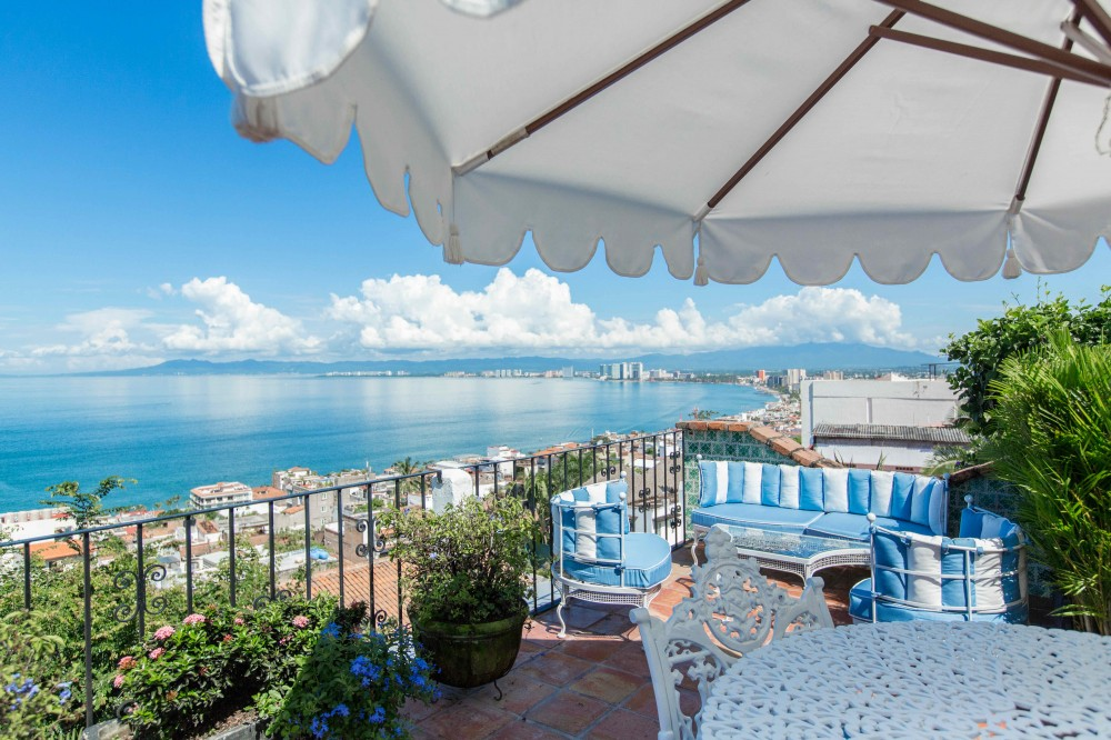 Puerto Vallarta vacation rental with 180° degree views from Casa Guacamole
