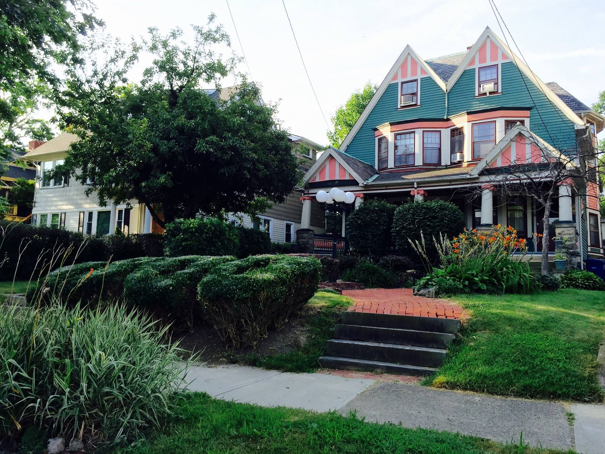 Magical Romantic Victorian 5 Bed near Lake Erie & CLE