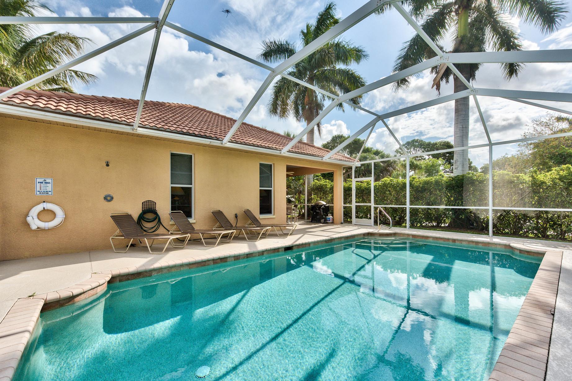 Vanderbilt Beach Rental (Walk to the Beach) - pool home!