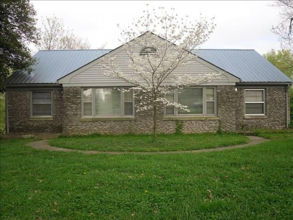 Lexington vacation rental with Front View of Stone Cottage