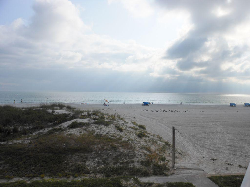 Amazing Sunsets!! Beach Cottages I-107- 2 bedroom condo on Indian Shores