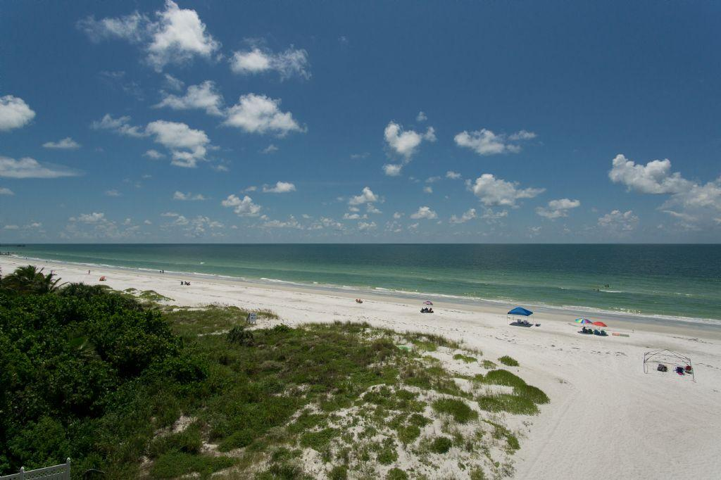 Gulf Front Luxury Beach Cottages Condo located on Indian Shores # I408