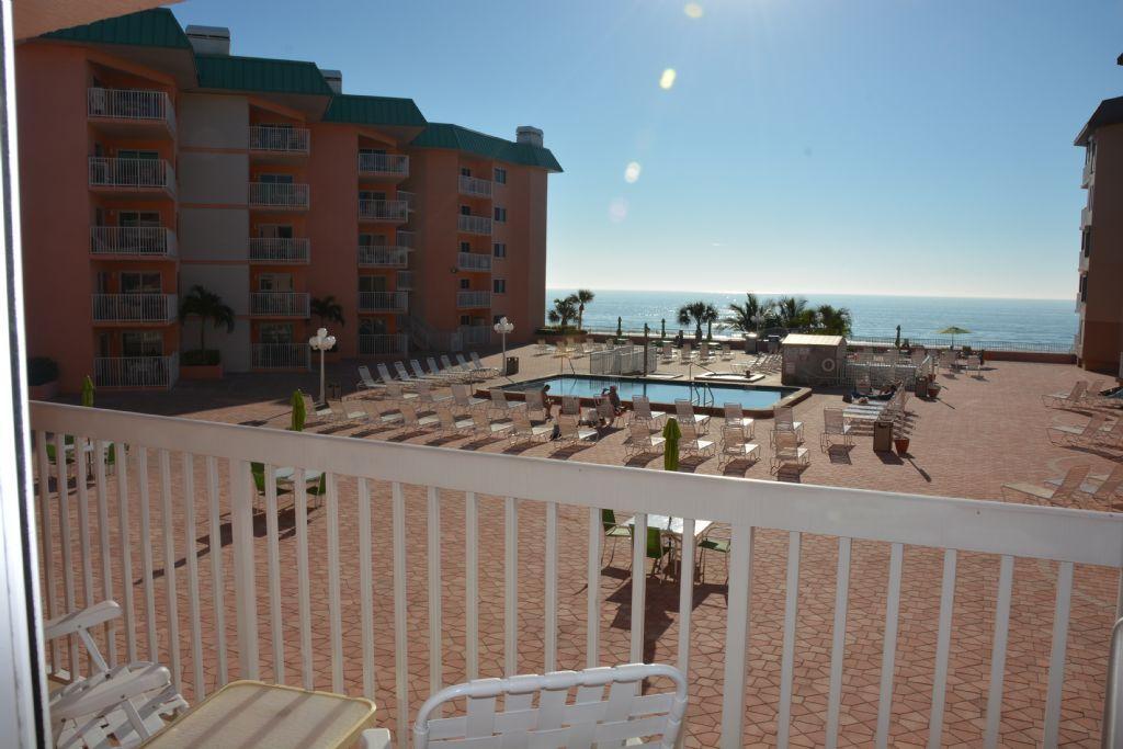 Escape to a Romantic Getaway with this Gulf Coast 1 bedroom Beachfront Condo!! Beach Cottags II 2205