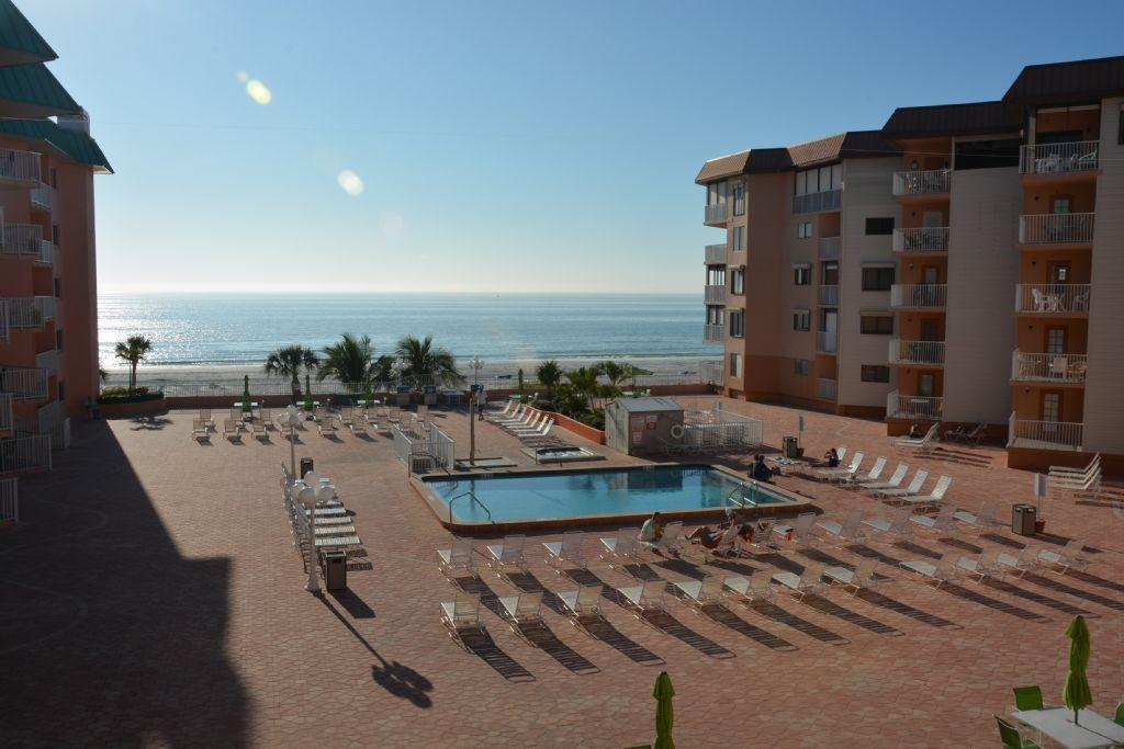 Beautiful Gulf Front 1 bedroom Beach Cottages II Condo!! #2302