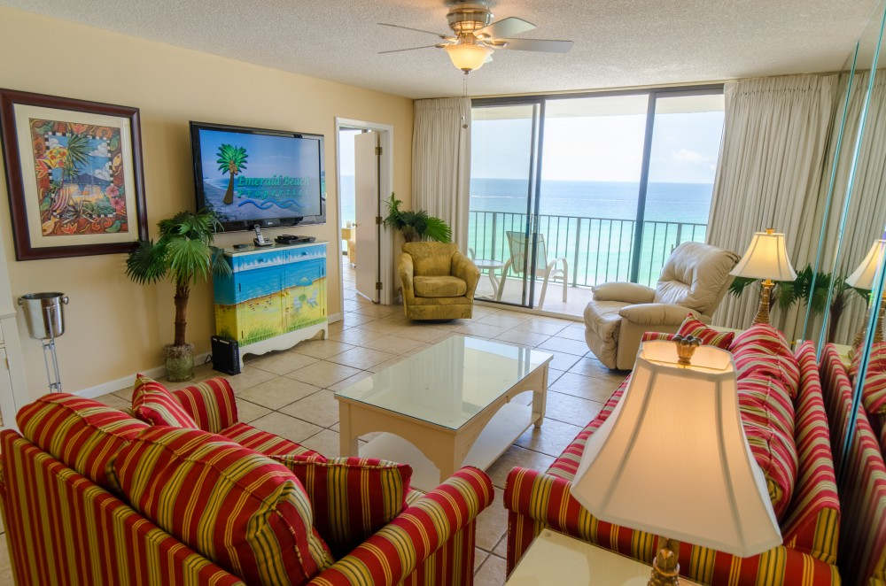 Panama City Beach vacation rental with Beautiful coastal decor with a fantastic view of the Gulf and a man-sized TV and leather recliner  too