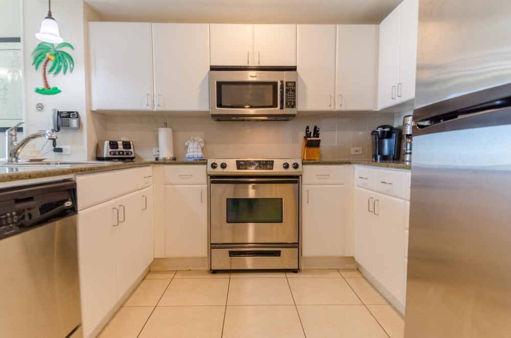 Panama City Beach vacation rental with Well equipped gourmet kitchen with stainless appliances and granite counter tops for preparing you favorite meals and snacks   Both drip and Keurig coffee makers  too