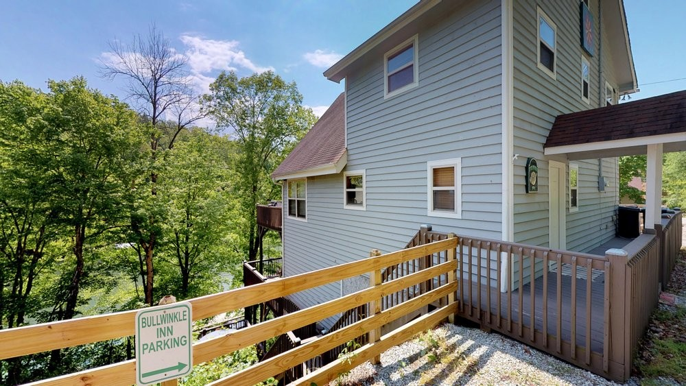 speedwell vacation rental with Bullwinkle parking