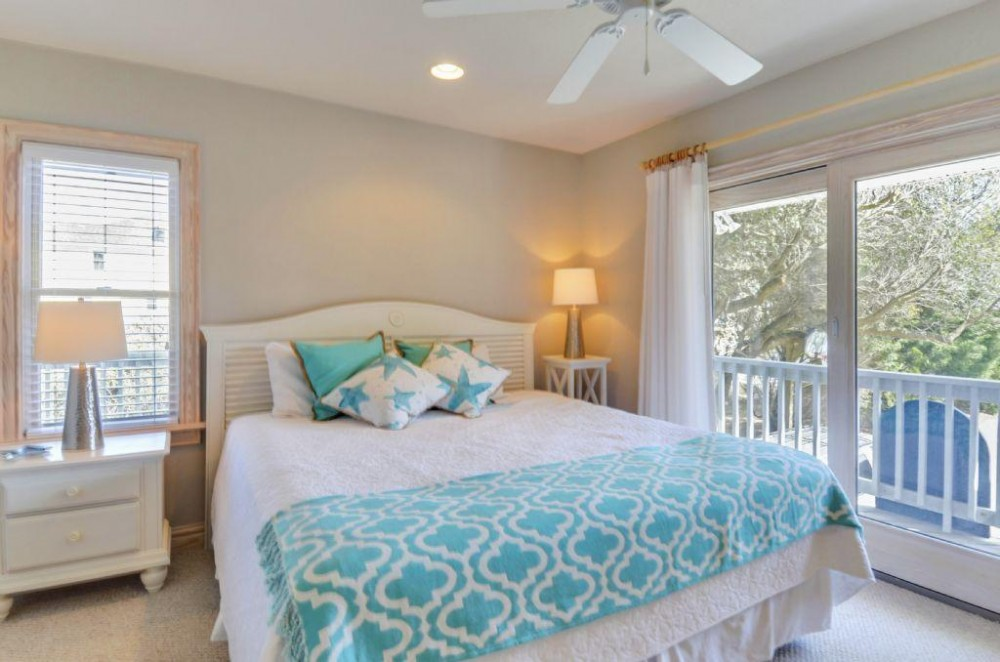 Duck vacation rental with Three Sisters