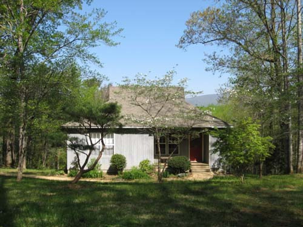 Afton vacation rental with Afton Cottage in the Spring