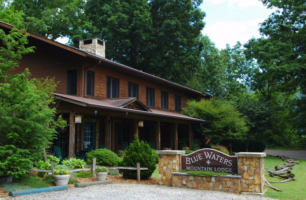 Robbinsville vacation rental with Welcome To Blue Waters Mountain Lodge