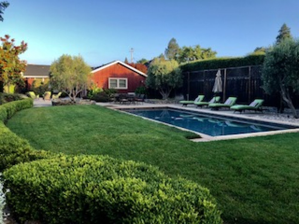 Glen Ellen vacation rental with Lawn View of Pool