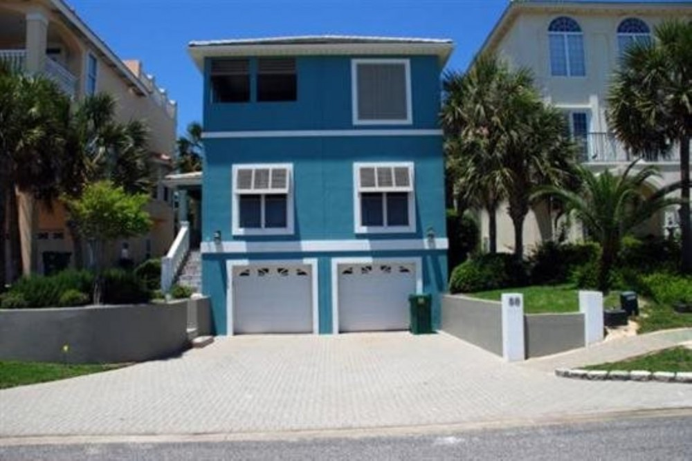 Destin vacation rental with Front of House