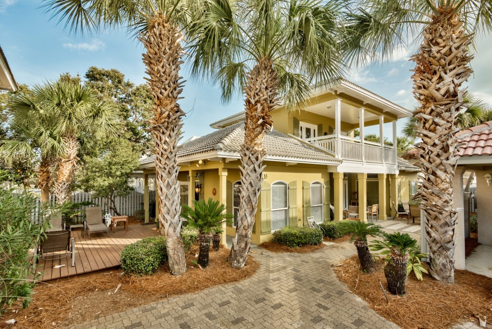 Destin vacation rental with Coconut Cove 4 br / 3 ba