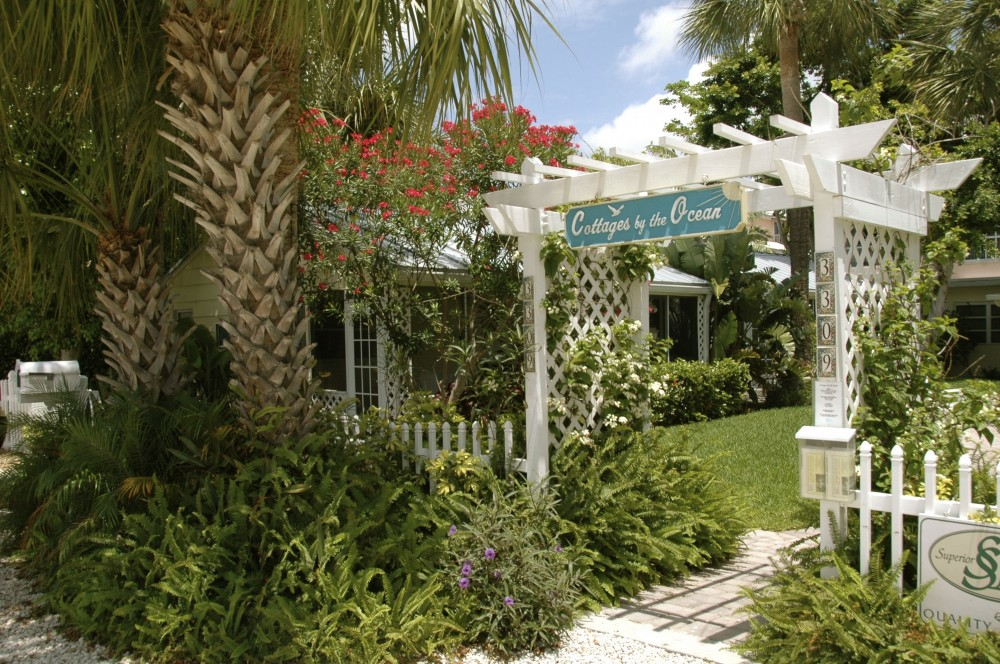 Pompano Beach vacation rental with Cottages Entry