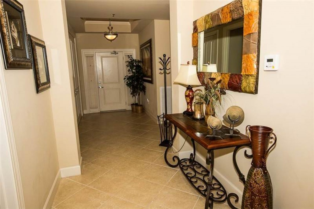 Destin vacation rental with Entryway