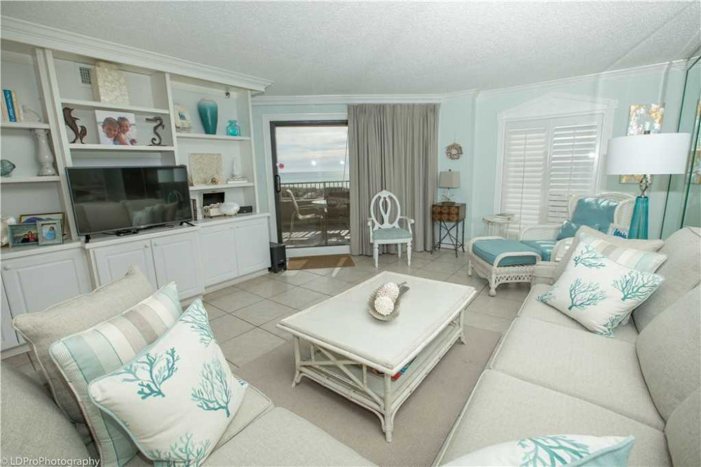 Destin vacation rental with Professionally Decorated and absolutely gorgeous 2 BR on the beach with Spring Discounts