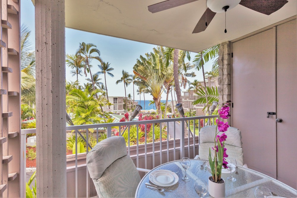 Kailua-Kona vacation rental with A wonderful place to start your day!