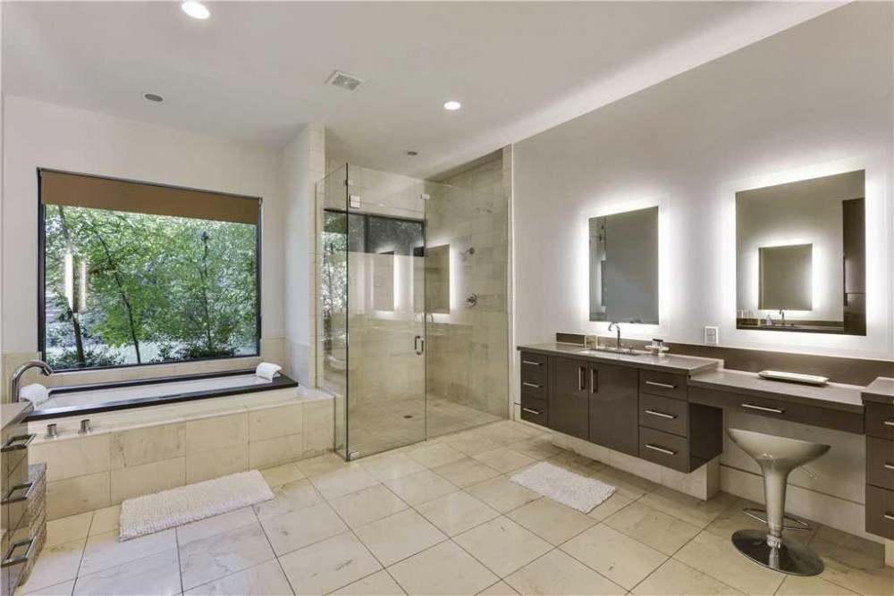 Austin vacation rental with STAY HERE  WalkerVR Daniel House  Sunny Spaces  Minimalist Design   Panoramic Skyline View