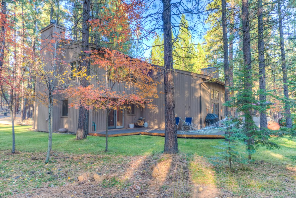 Black Butte Ranch vacation rental with Rock Ridge  39 Five Bdrm Charmer Between Glaze Meadow   South Meadow Pools