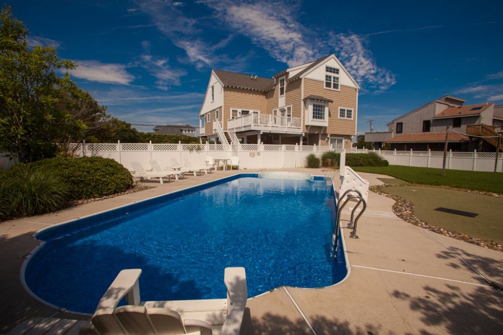 Virginia Beach vacation rental with Inviting 4 bedroom home with private putting green   pool  just a short walk to the beach