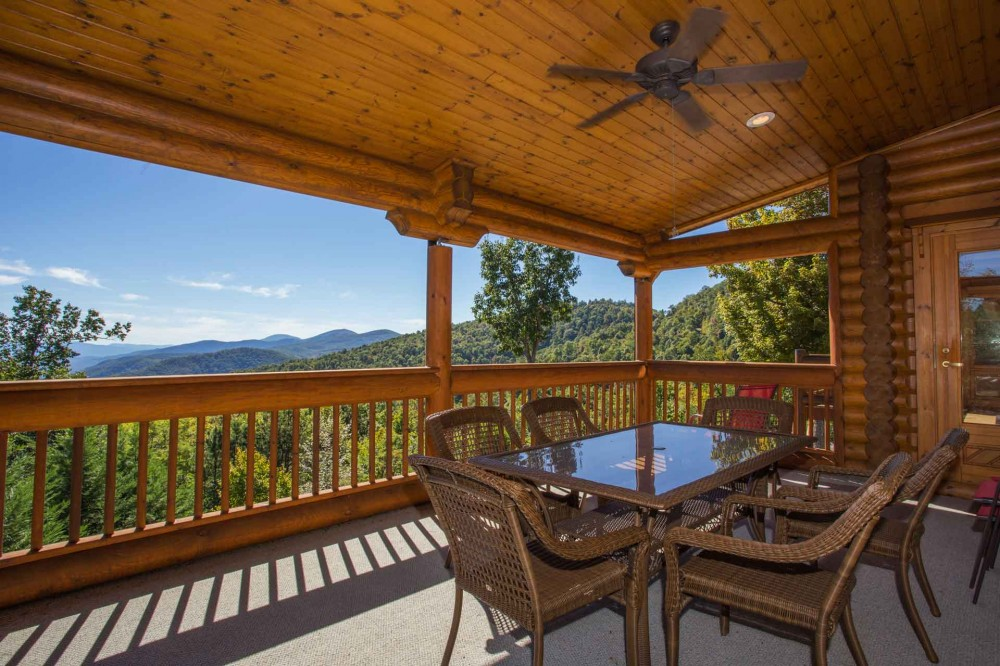 Old Fort vacation rental with Deckview