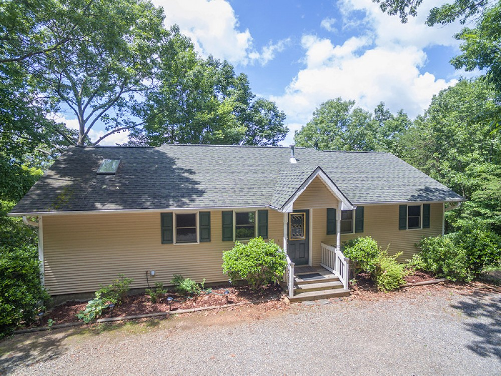 Black Mountain vacation rental with WelcometoWelkerMountainHome