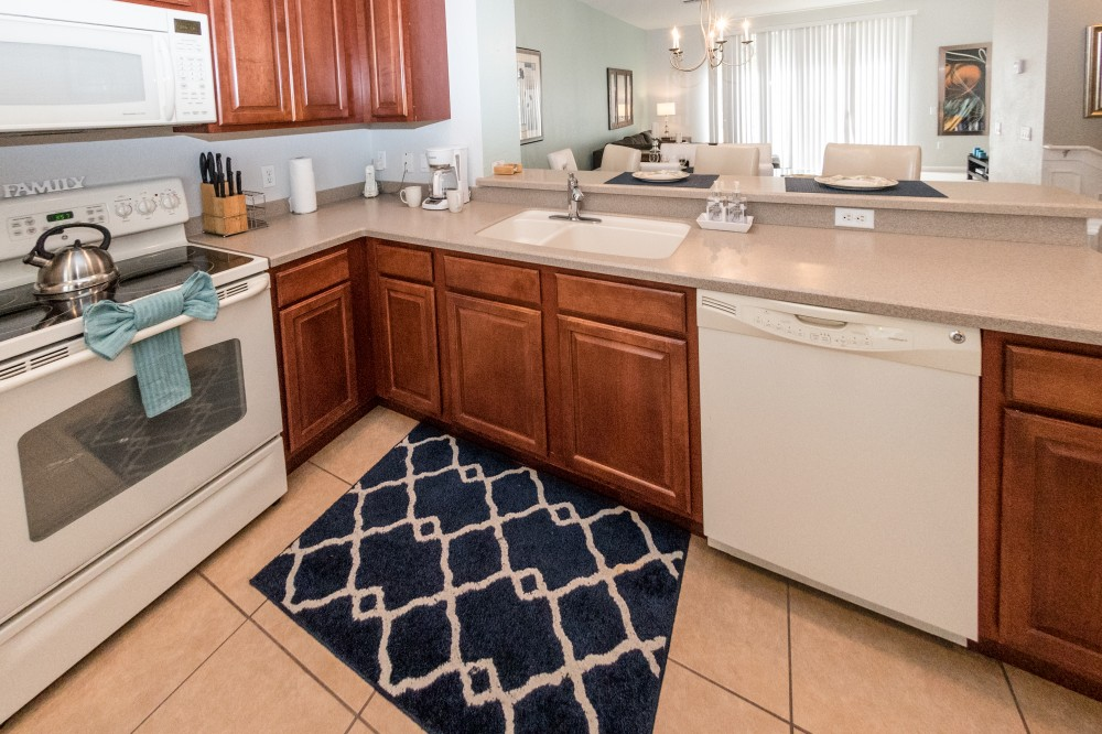 Orlando vacation rental with Great taste Modern Townhome At Vista Cay Resort sleeps 8 next to convention