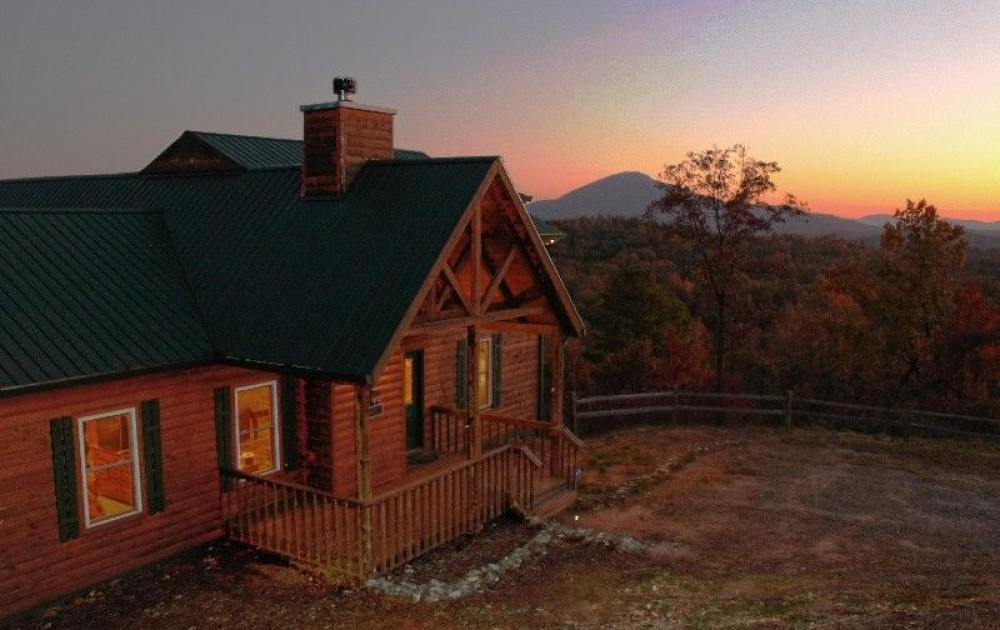 Sautee Nacoochee vacation rental with SunsetatEaglesNest