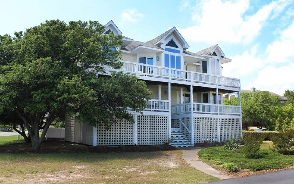 Corolla vacation rental with Ship  s Chandler
