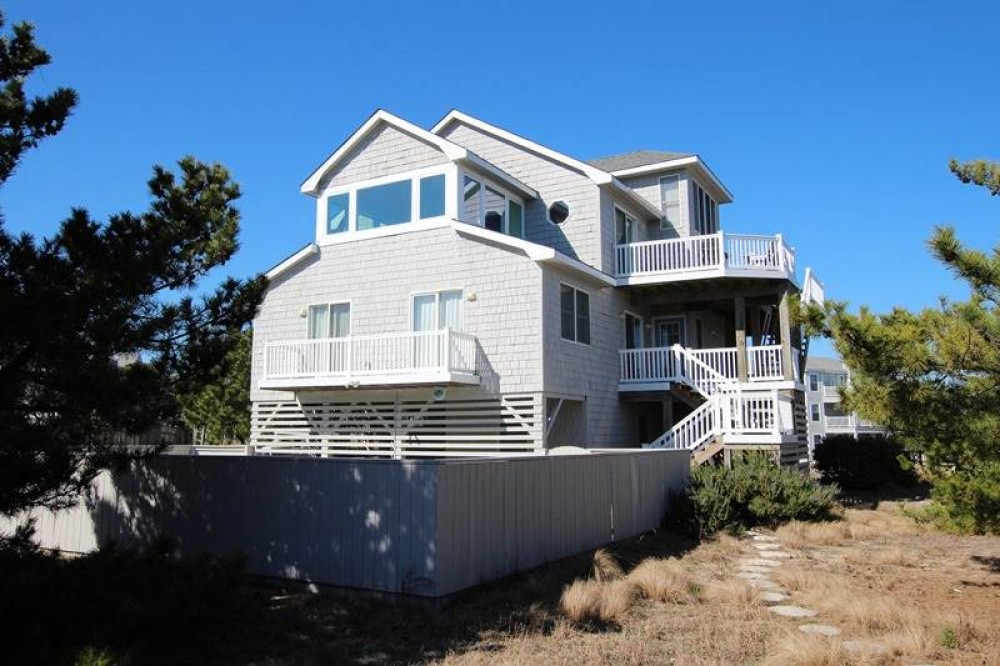 Corolla vacation rental with Tretower