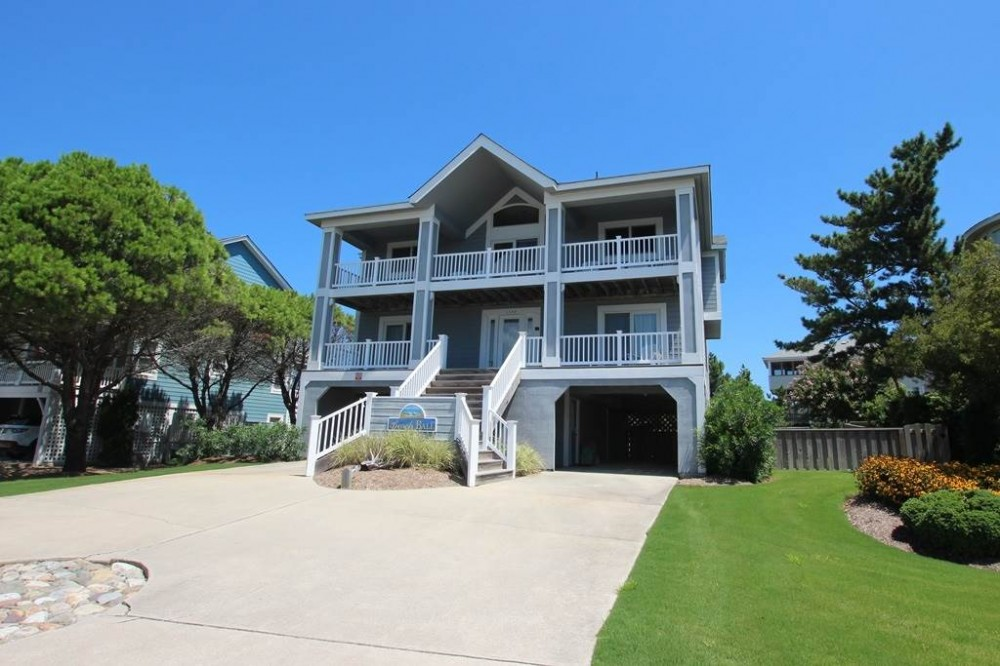 Corolla vacation rental with Beach Ball