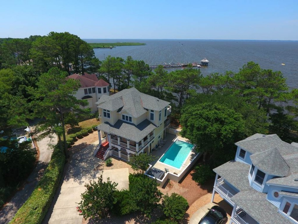 Corolla vacation rental with Bay Breeze