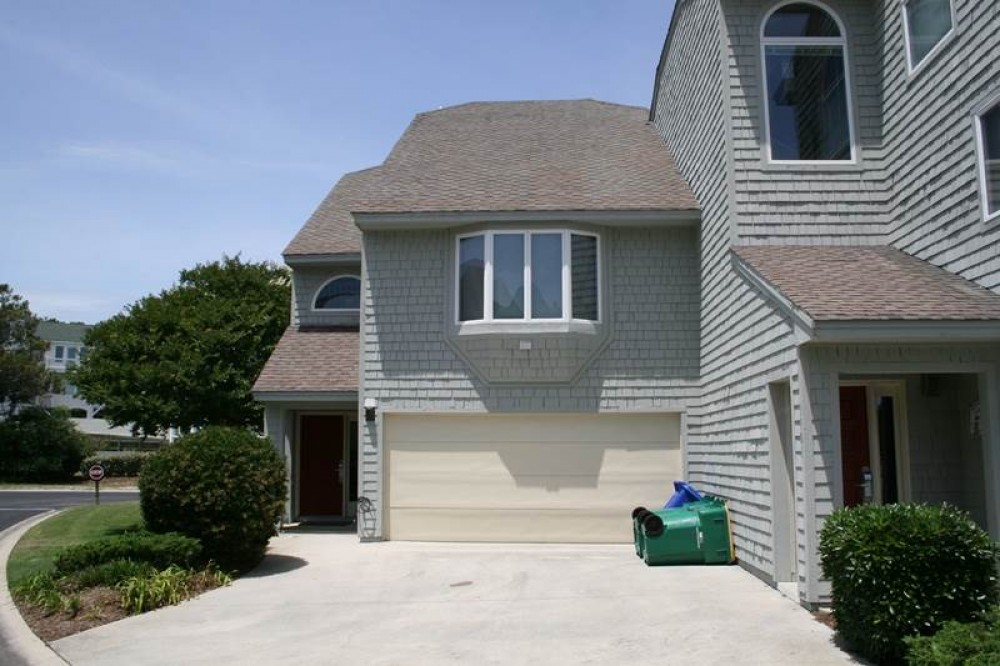Corolla vacation rental with No Worries