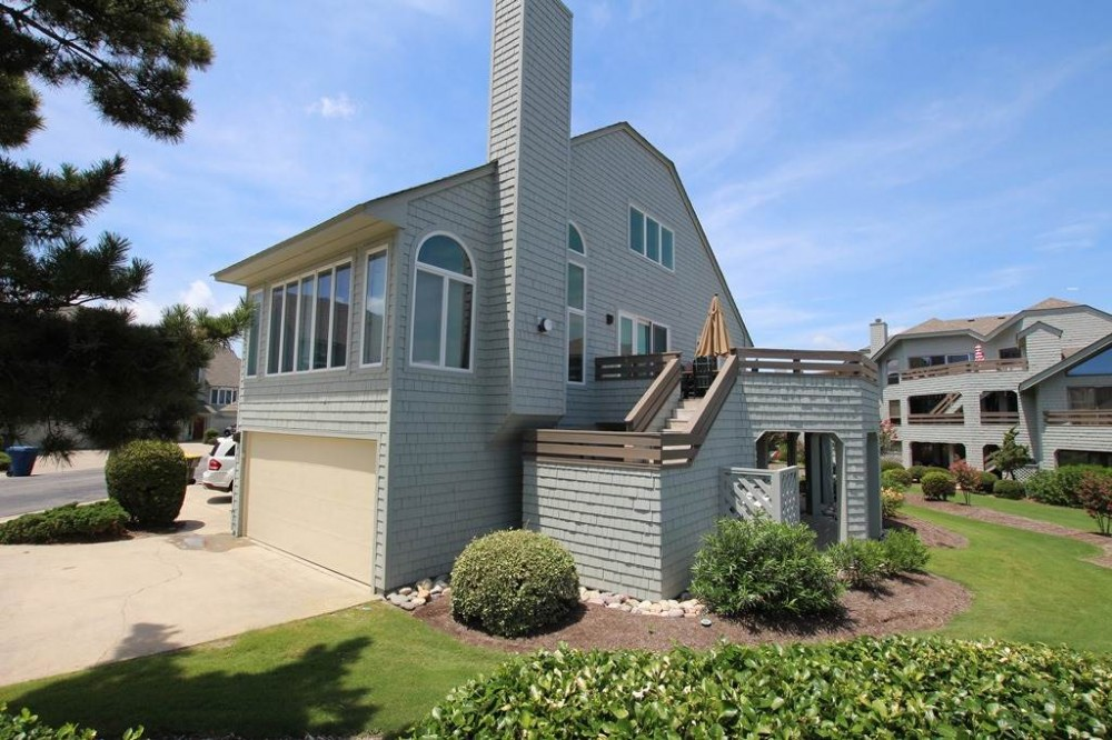 Corolla vacation rental with Shore Beats Work