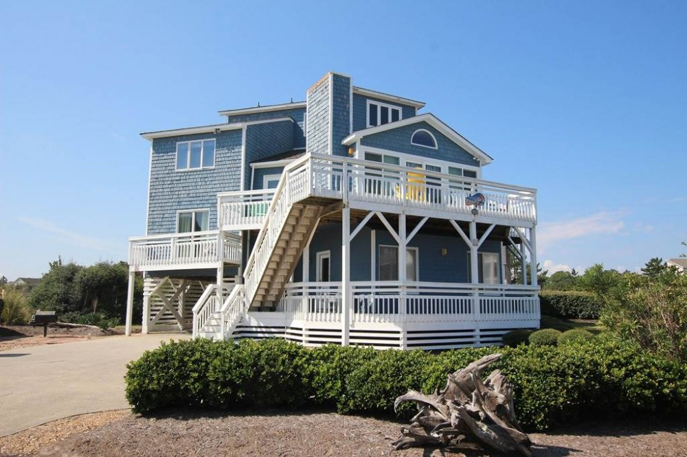 Corolla vacation rental with Beachwalk