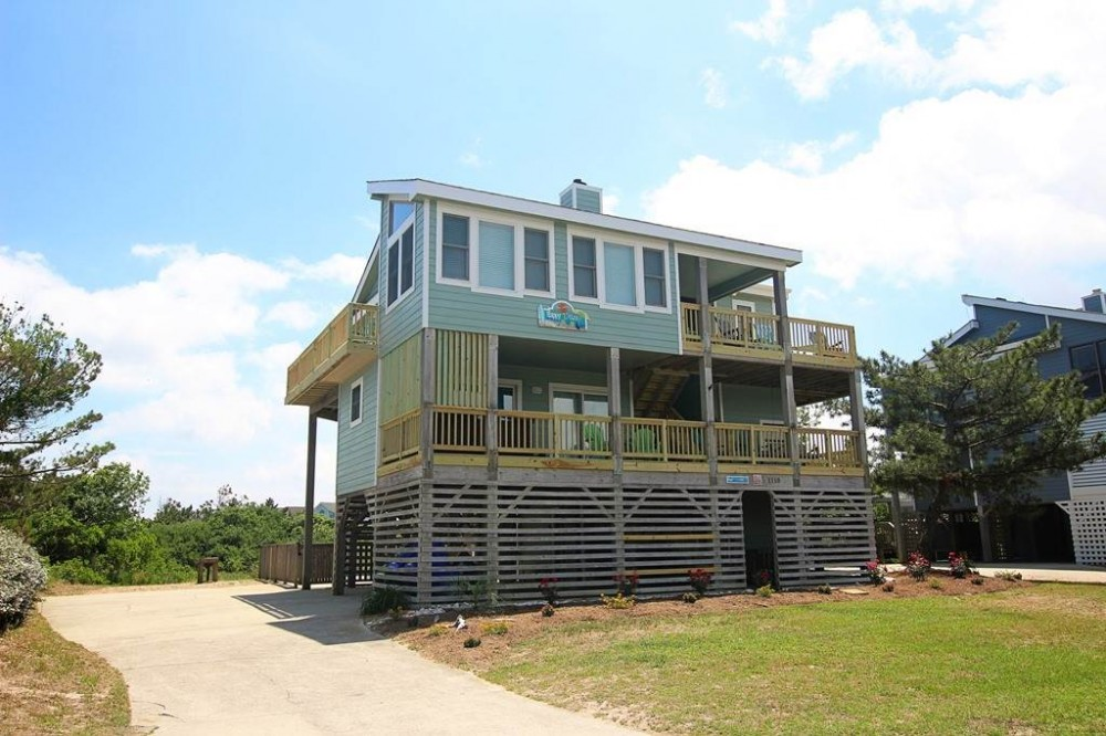 Corolla vacation rental with Happy Daze