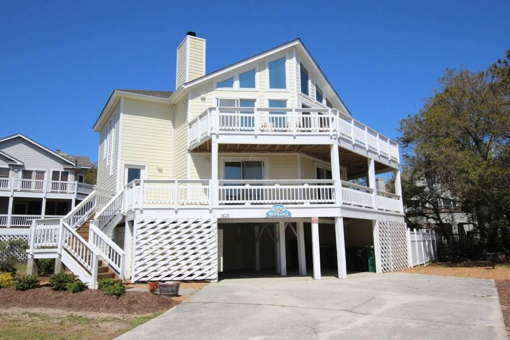 Corolla vacation rental with Newmania