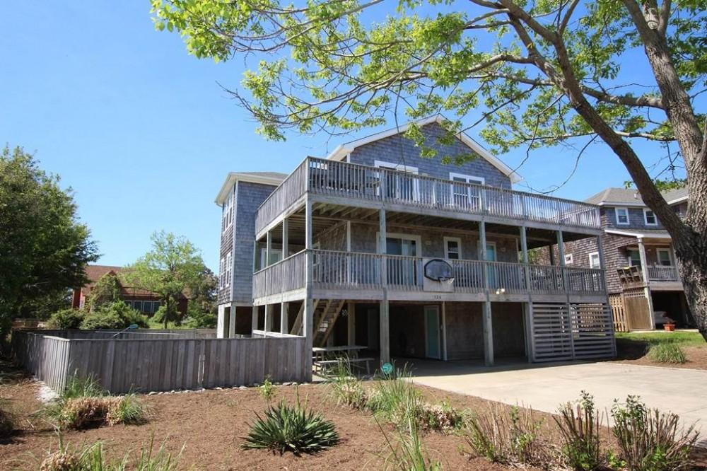 Duck vacation rental with Ocean Hideaway