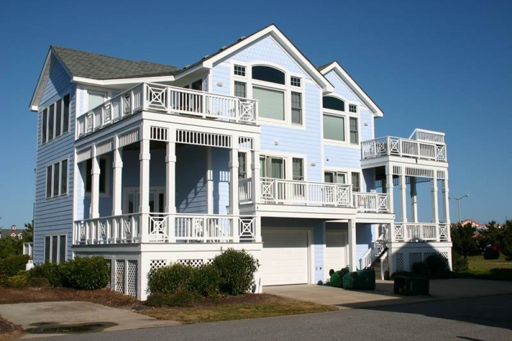 Corolla vacation rental with Green Grass   High Tides