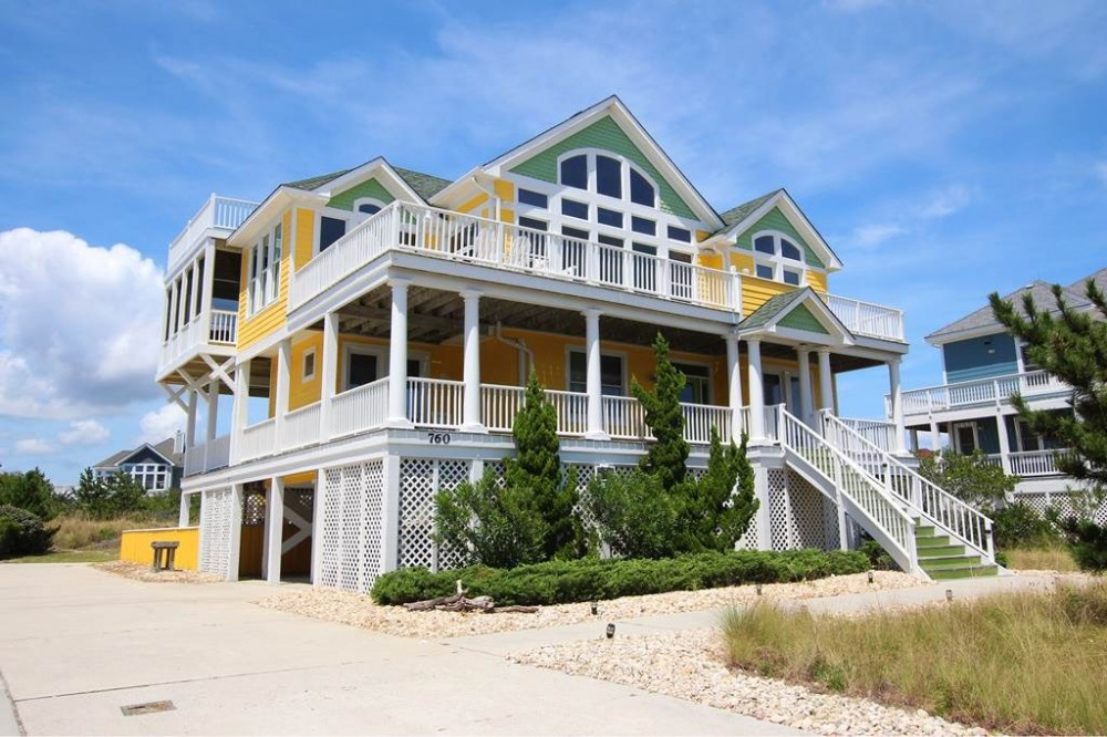 Corolla vacation rental with Mellow Yellow