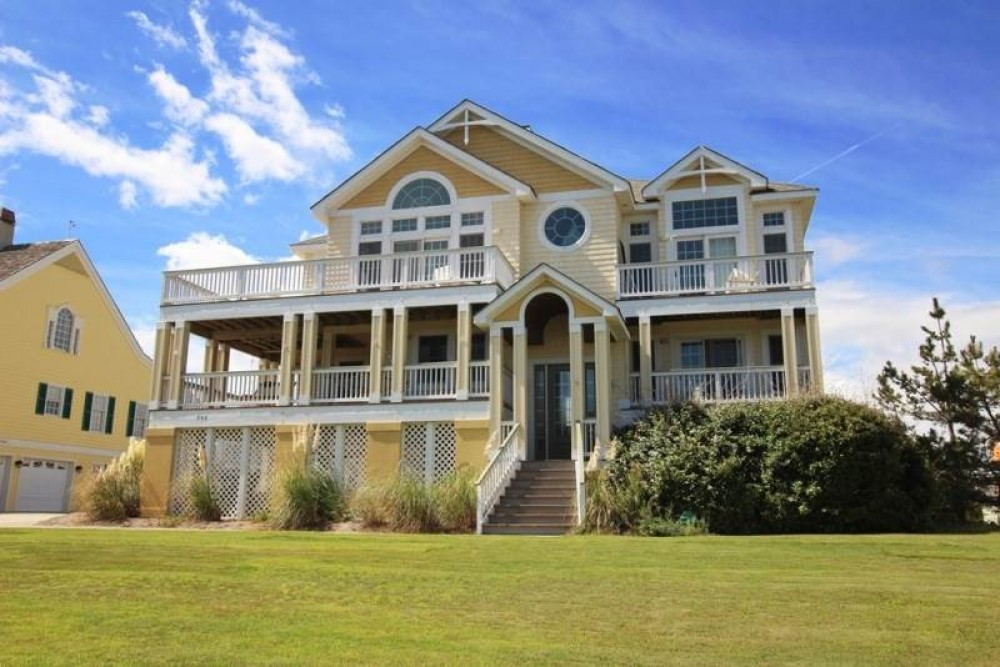 Corolla vacation rental with Trading Winds