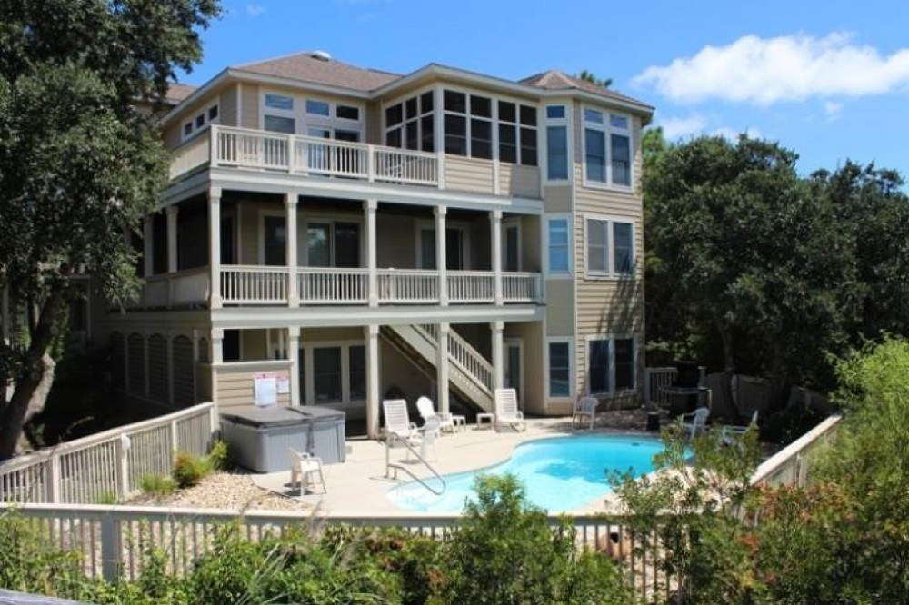 Corolla vacation rental with Afternoon Tee