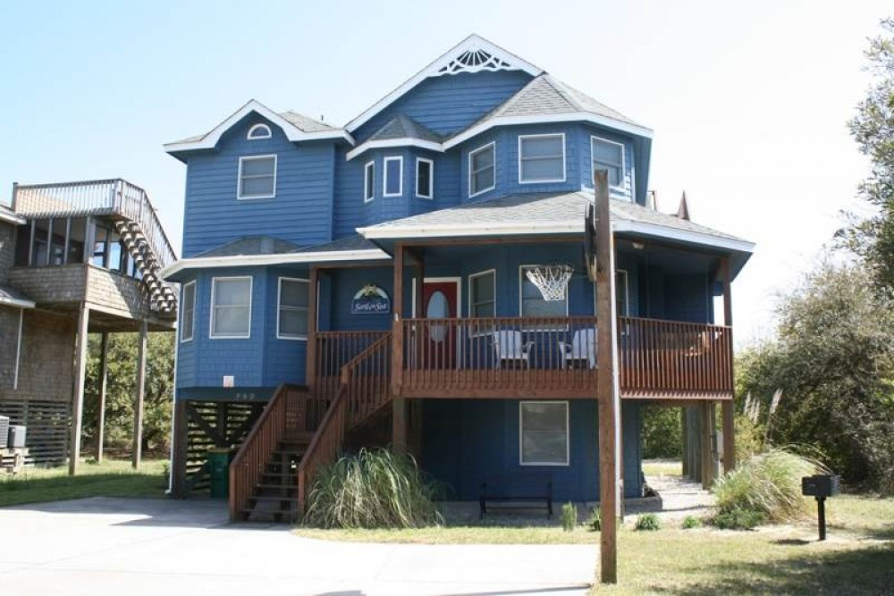 Corolla vacation rental with Song of the Sea