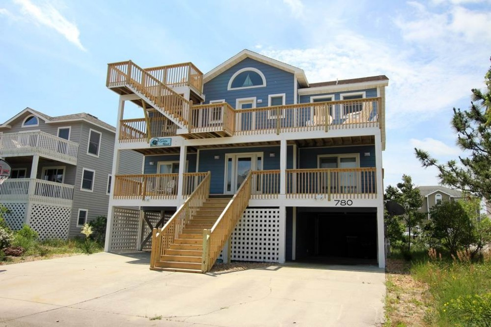 Corolla vacation rental with The Green Wave