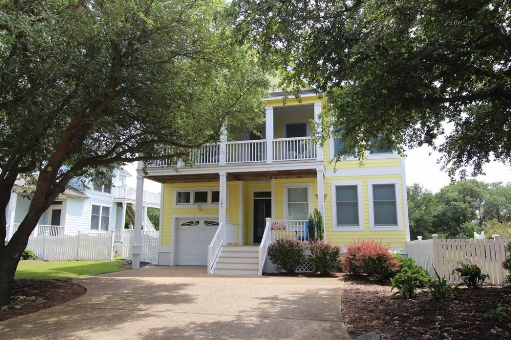 Corolla vacation rental with Rosie  s Retreat