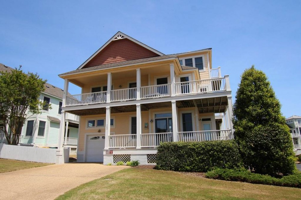 Corolla vacation rental with Carolina Comfort