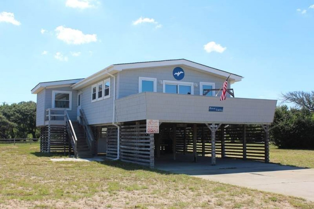 Kitty Hawk vacation rental with Annie Oakley